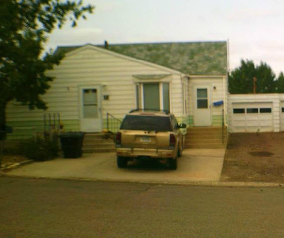 38 10th Avenue S E, Cut Bank, MT 59427