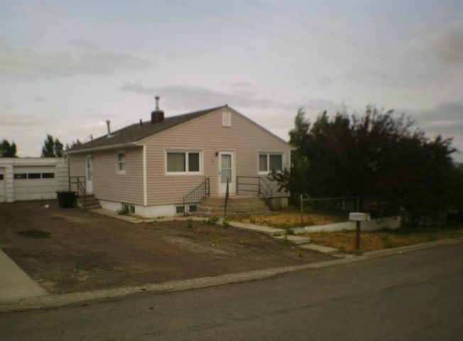 34 10th Avenue S E, Cut Bank, MT 59427
