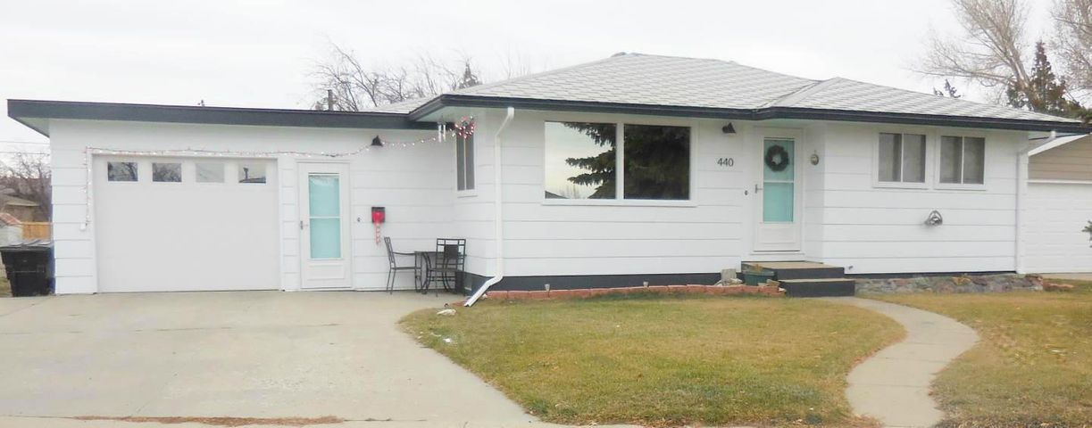 440 Circle Drive, Cut Bank, MT 59427