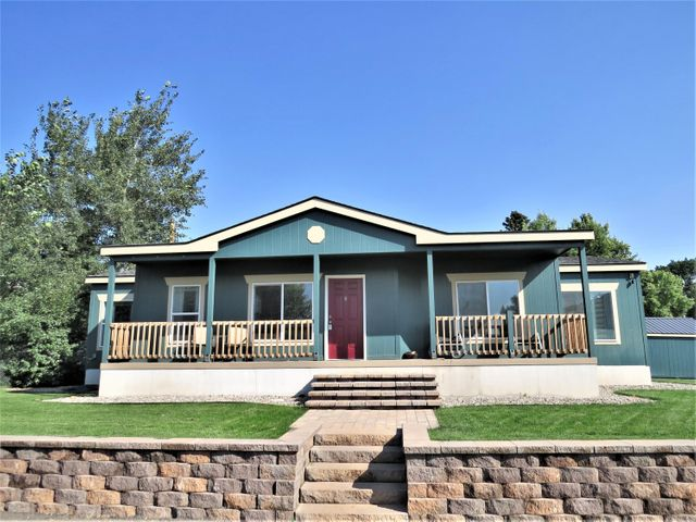 215 4th Ave S, Belt, MT 59412