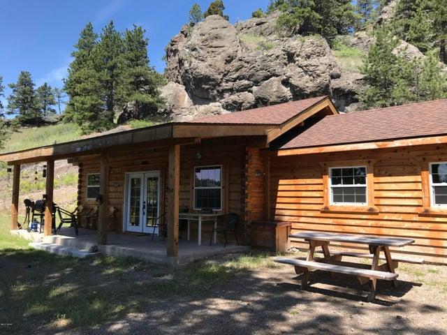 524 Sugarloaf Mountain Lane, Cascade, MT 59421