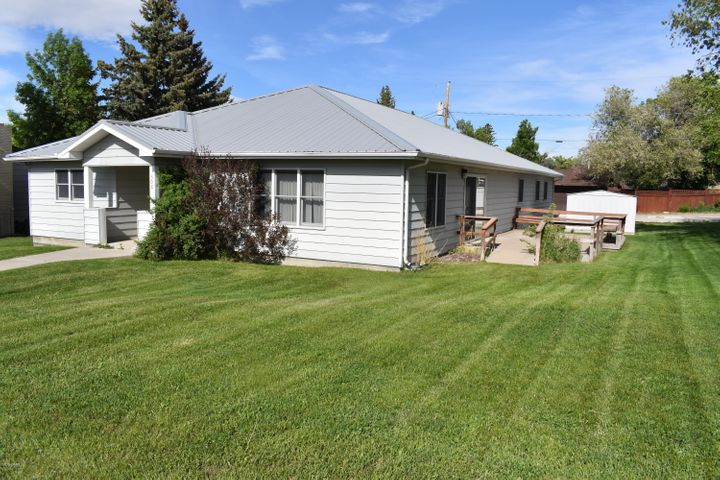 308 11th Avenue N, Shelby, MT 59474