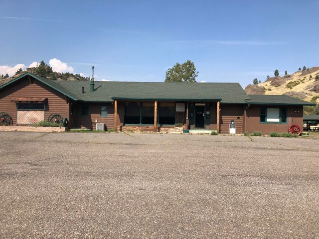 2474 Old Us Hwy 91, Cascade, MT 59421