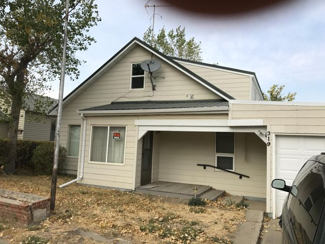319 S 2nd Street, Sunburst, MT 59482