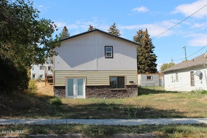 243 Montana Avenue, Shelby, MT 59474