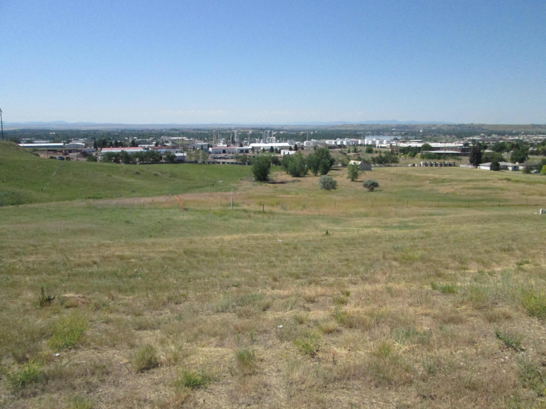 1008 Skyline DR N E, Great Falls, MT 59404
