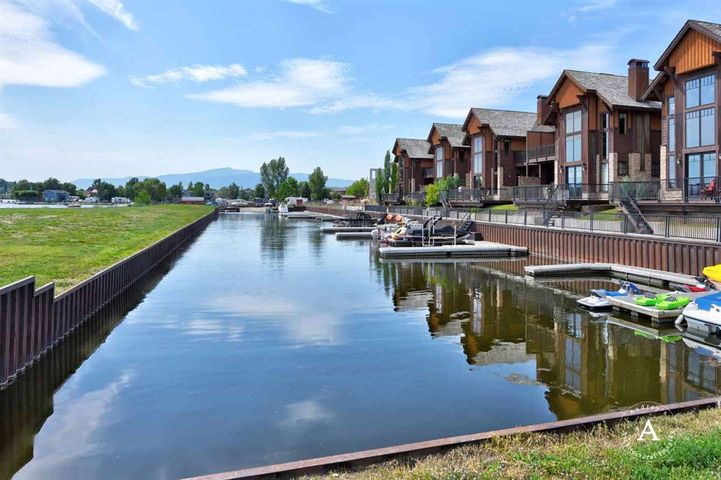 5327 Harbor Lane, Helena, MT 59602