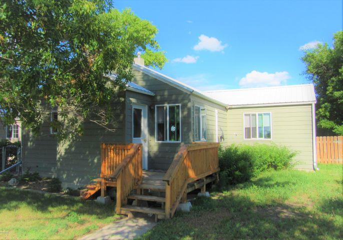 615 S Iowa Street, Conrad, MT 59425