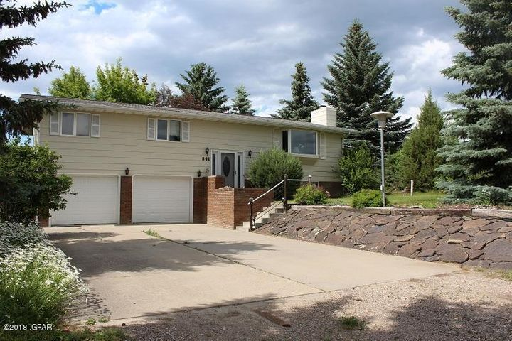 841 Granite Avenue, Shelby, MT 59474