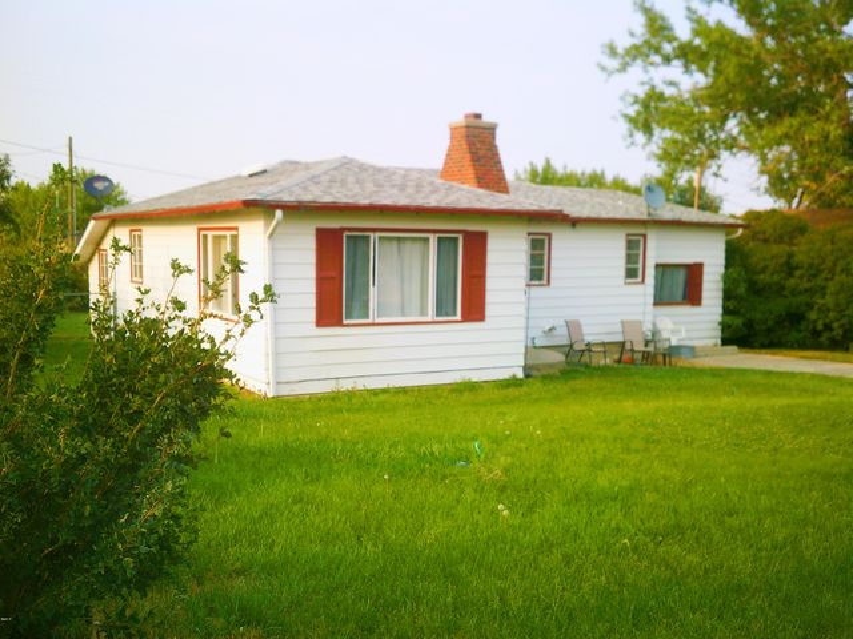 319 3rd Street S, Sunburst, MT 59482