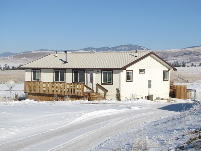 339 Paint Horse Lane, Deer Lodge, MT 59731