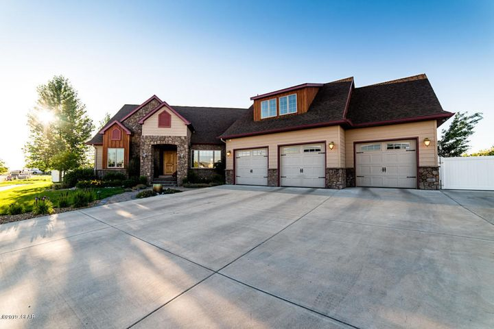 1113 46th Avenue N E, Great Falls, MT 59404
