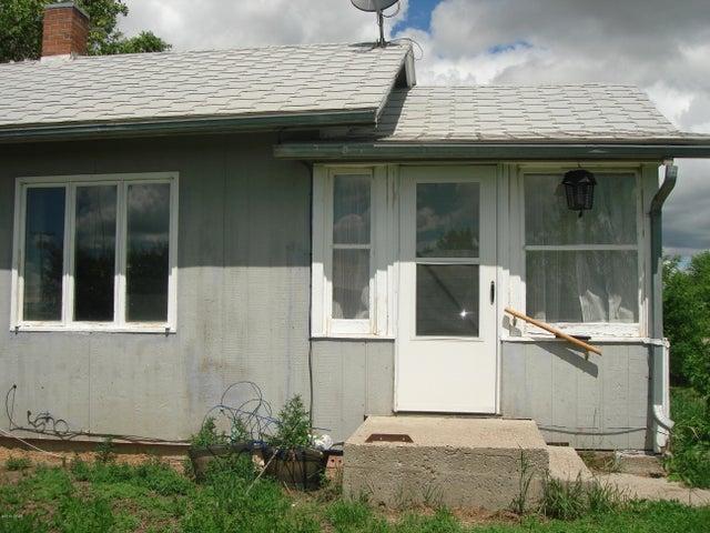 104 & 106 1st Avenue N W, Dutton, MT 59433
