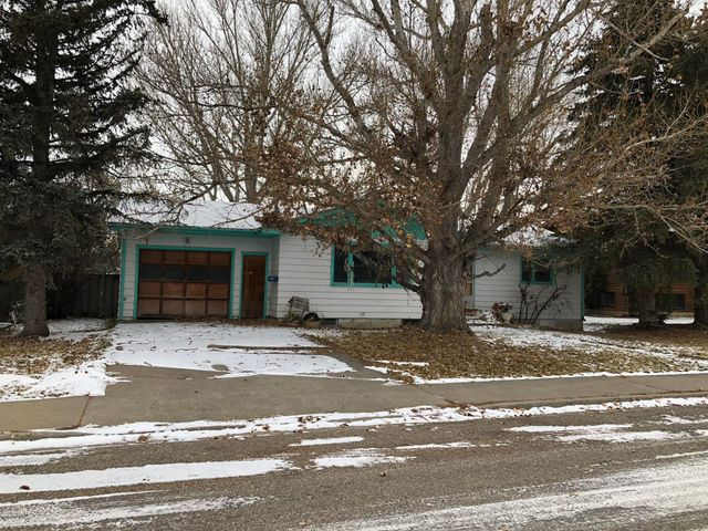 835 Hill Avenue, Shelby, MT 59474