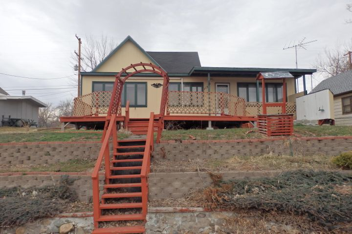 117 Front Street S, Cascade, MT 59421