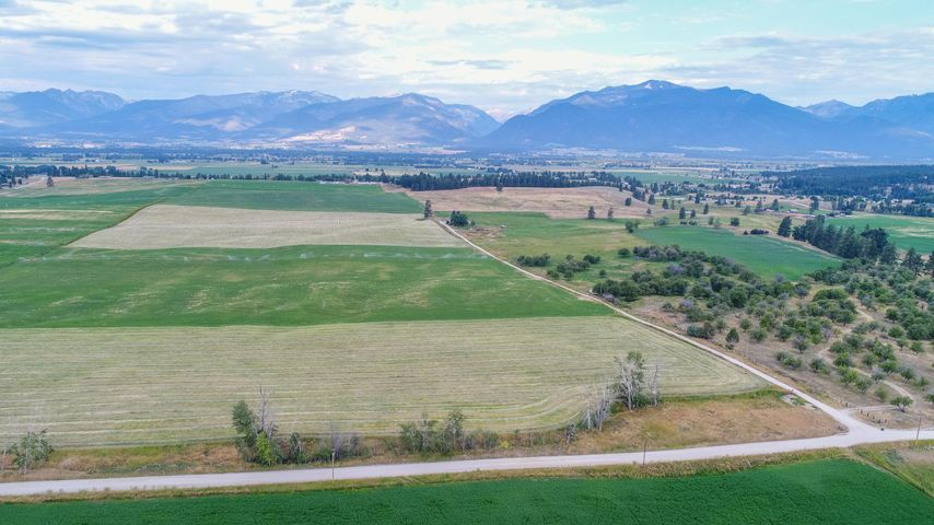 Nhn Home Acres Road, Stevensville, MT 59870