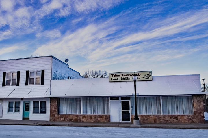419 Central Avenue, Fairfield, MT 59436