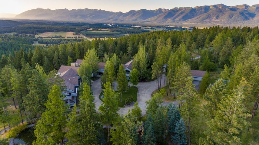 1022 Swan Hill Drive, Bigfork, MT 59911