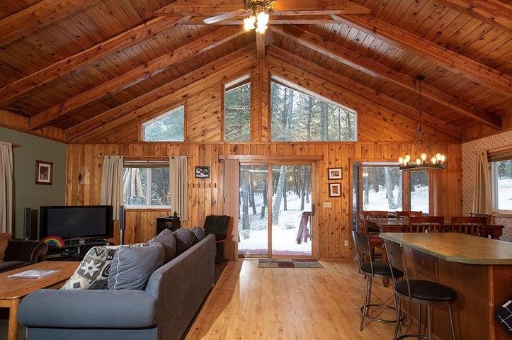 1602 Sinclair Creek Road, Eureka, MT 59917