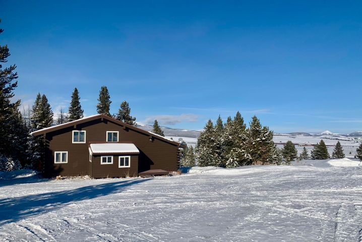 644 Red Fox Road, Wise River, MT 59762