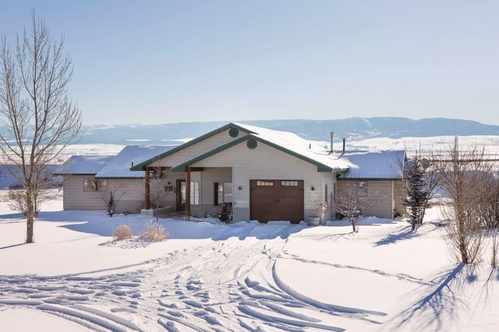 1056 Pike Road, Moccasin, MT 59462