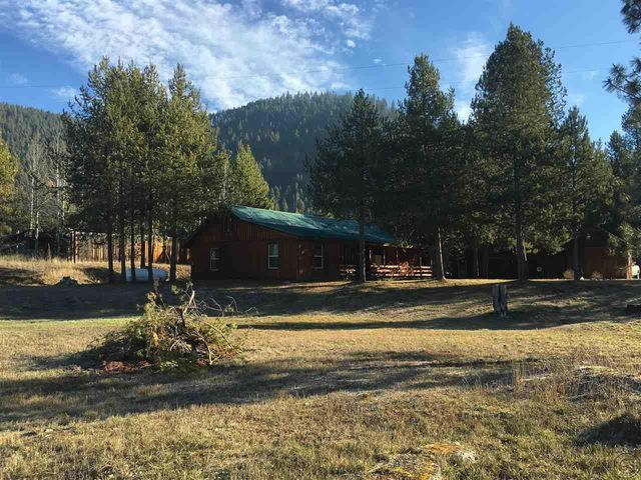 107 E Yellowstone Trail, De Borgia, MT 59830