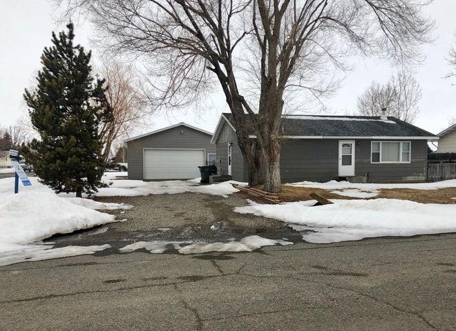 Well maintained home on a corner lot with mature landscaping & UGS. Updated kitchen with large bedrooms. Walking distance to schools, shopping, etc. Awesome oversized garage for the toys!