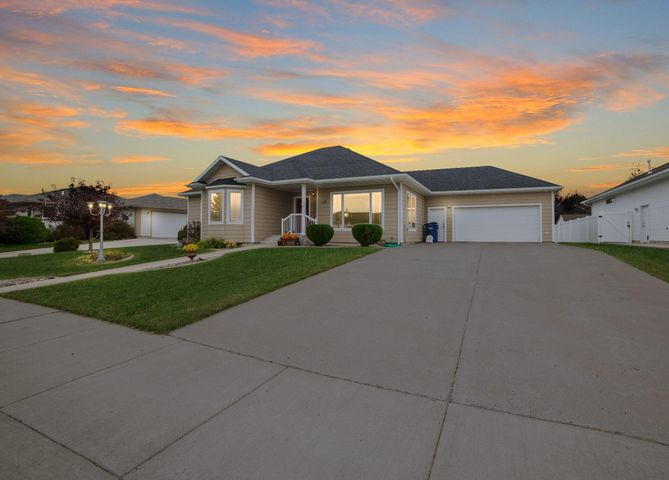 1609 38th Street S, Great Falls, MT 59405