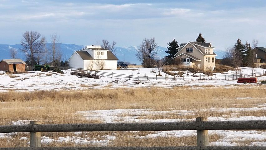 880 Farm Road, Kalispell, MT 59901
