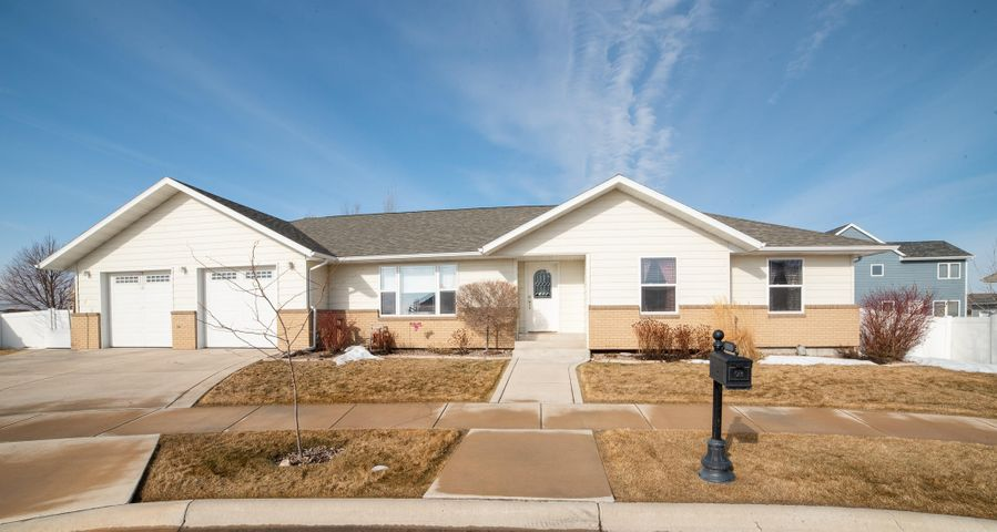 4404 Peregrine Court, Great Falls, MT 59404