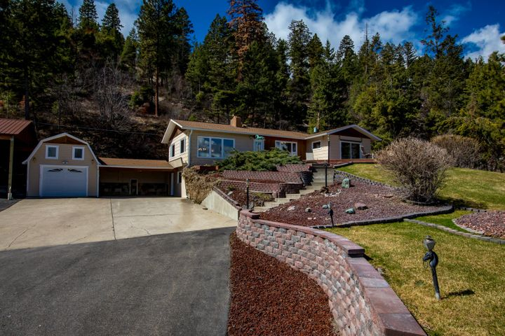 86 Craggy Cliff Road, Somers, MT 59932