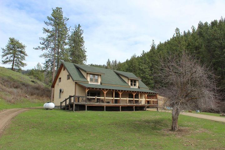 340 Montana Highway 28, Plains, MT 59859