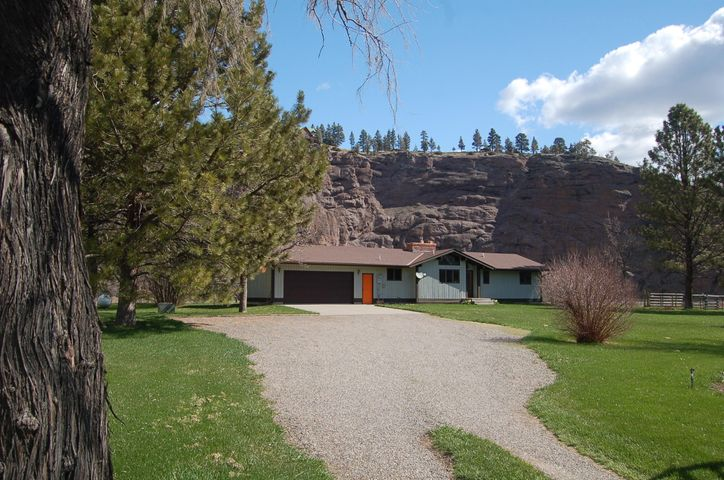 49 Meadow Lane, Cascade, MT 59421