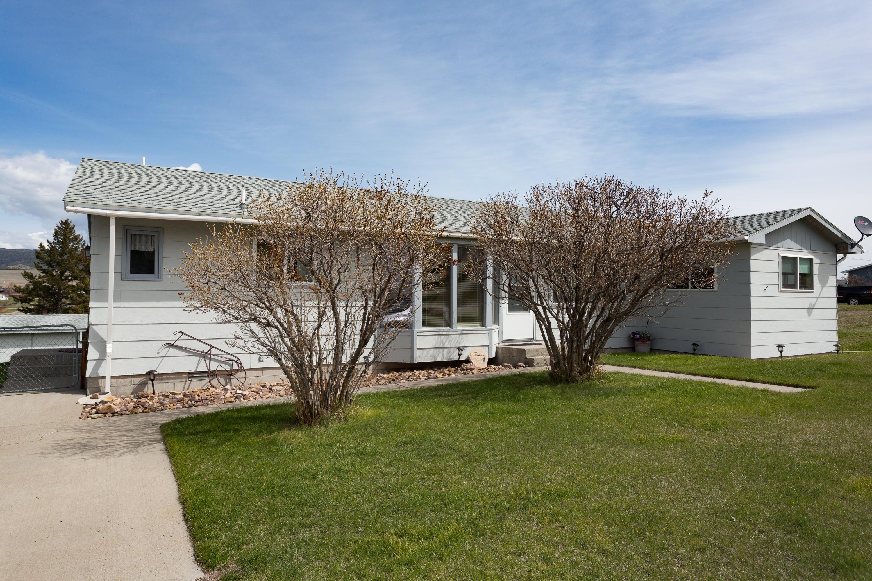 401 Lincoln Street E, White Sulphur Springs, MT 59645