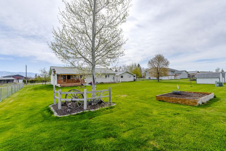 406 S Harrison Avenue, Townsend, MT 59644