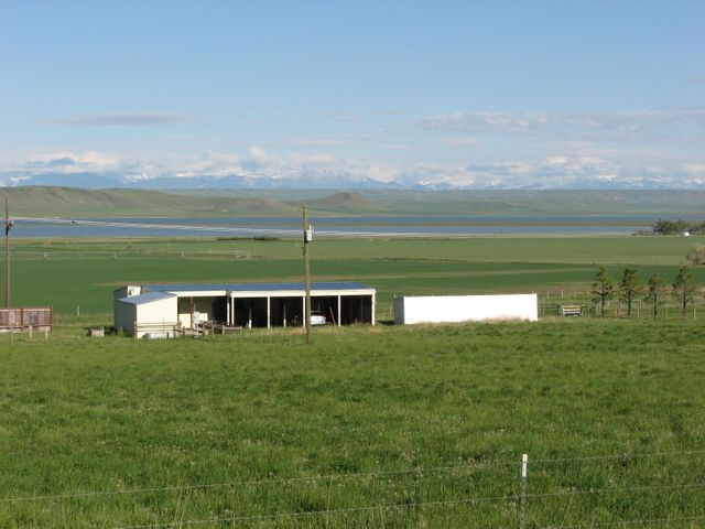 10 2nd Road N E, Fairfield, MT 59436