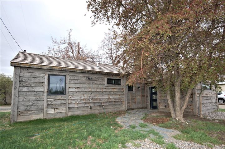 104 S 5th Avenue, Twin Bridges, MT 59754