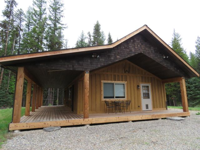 1131 Vinal Lake Road, Yaak, MT 59935
