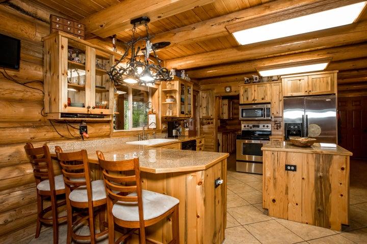 1001 Glacier Hills Drive, Martin City, MT 59926