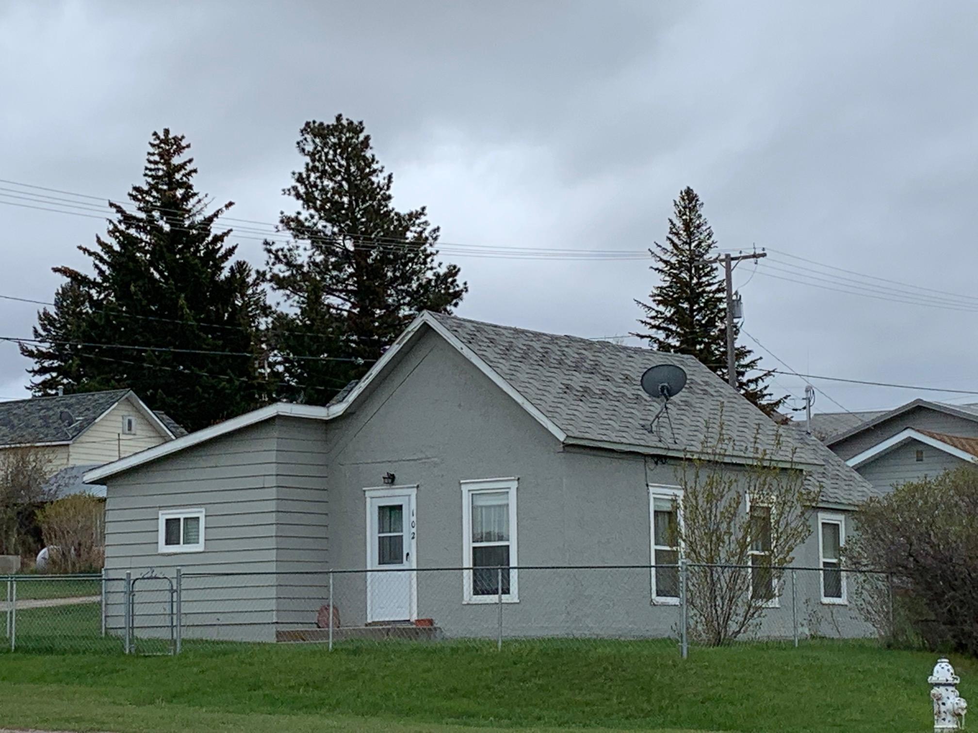 102 E Chilton, White Sulphur Springs, MT 59645