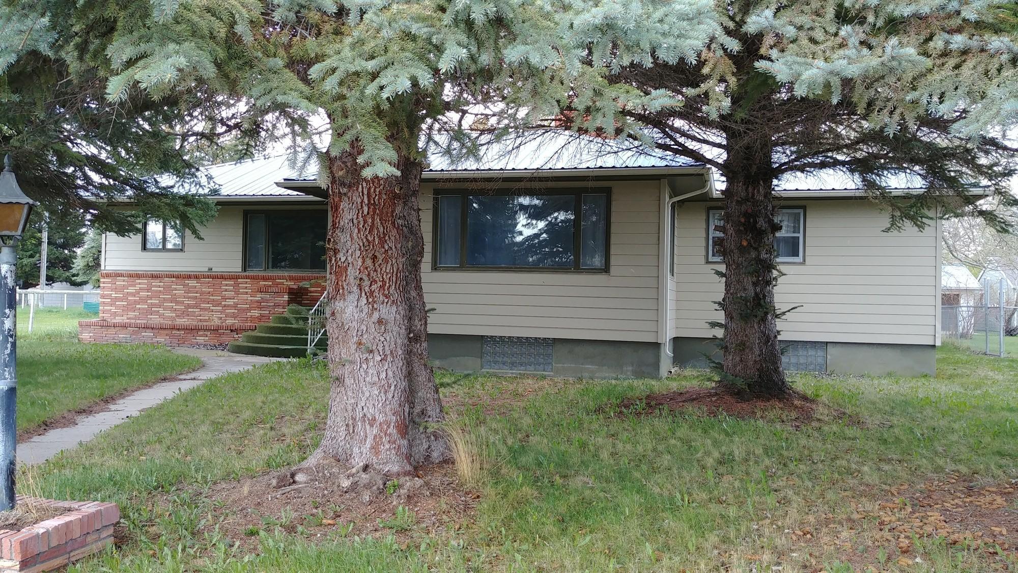 114 8th Avenue S W, Choteau, MT 59422