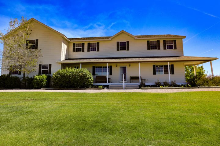 33 4th Lane N E, Fairfield, MT 59436