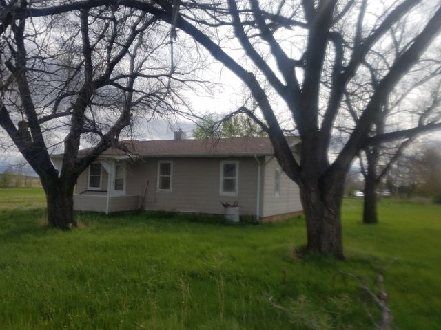 815 Josephine Avenue, Terry, MT 59349