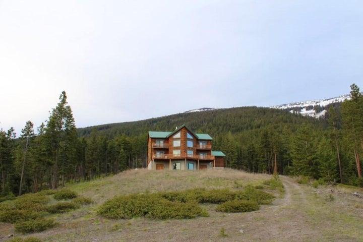 200 Labrador Lane, Plains, MT 59859