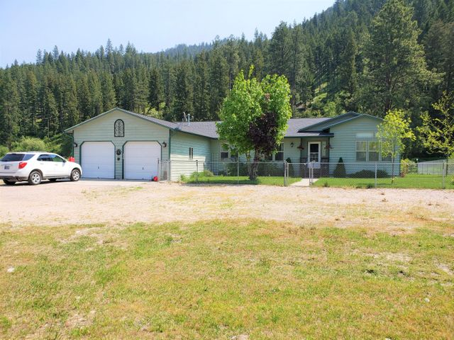 20788 Us Highway 10 E, Clinton, MT 59825