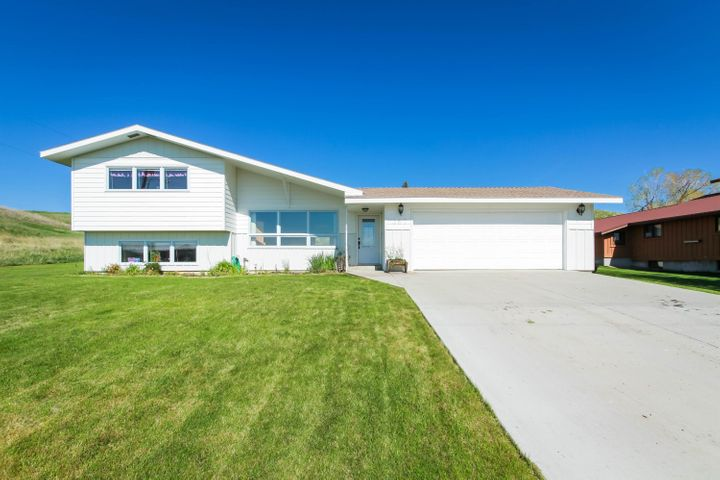 307 13th Avenue N E, Choteau, MT 59422