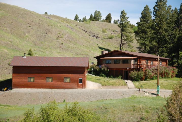 306 Ross Gulch Road, Townsend, MT 59644