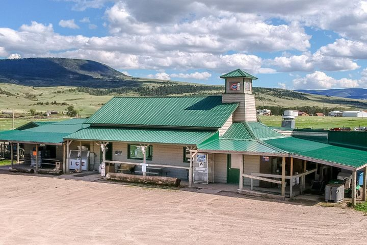 9393 S Fork Road, Hobson, MT 59452