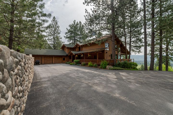 594 Stags Leap Road, Darby, MT 59829
