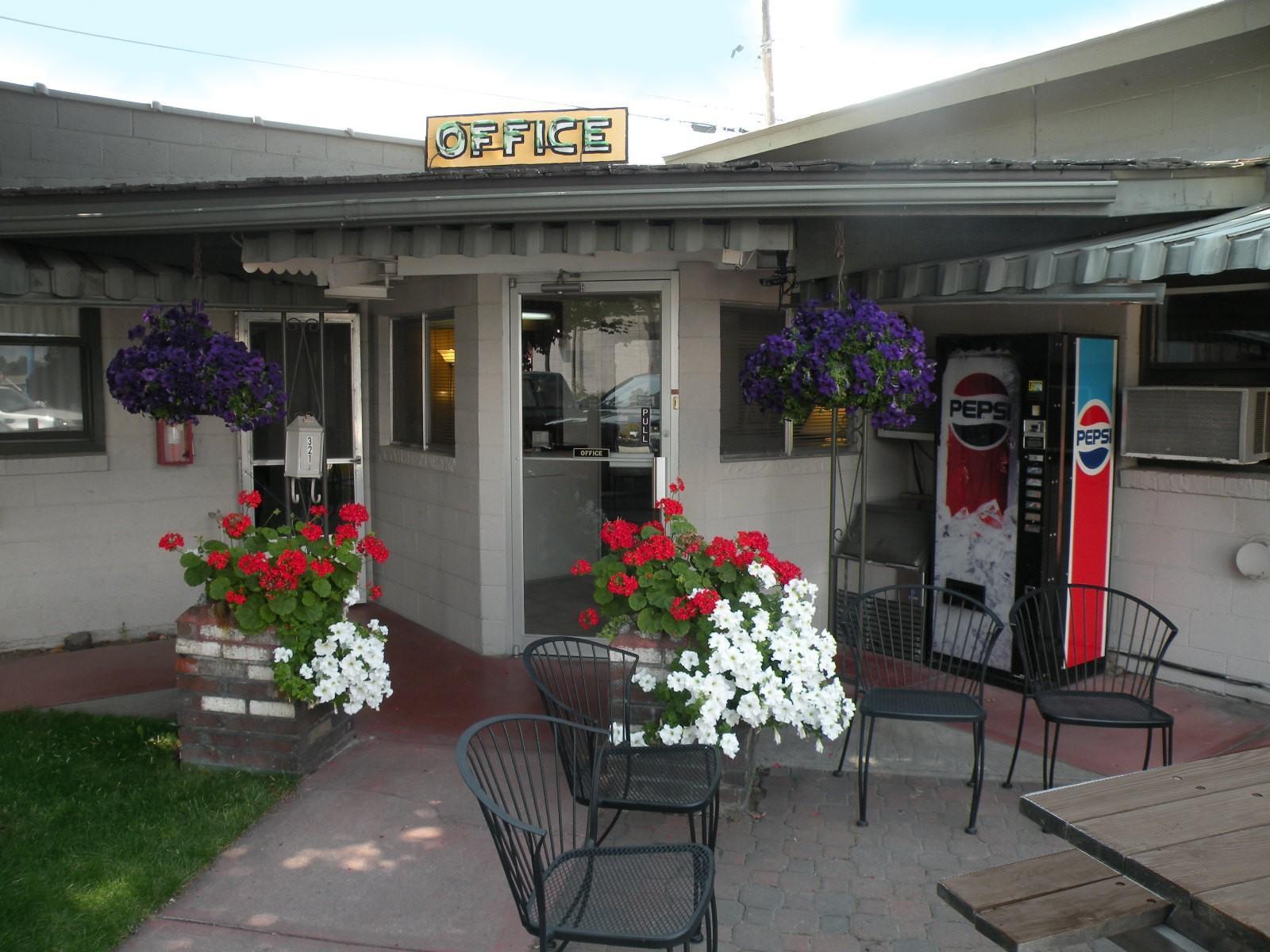 321 S First Street, Hamilton, MT 59840